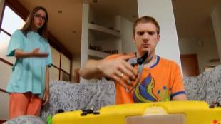 Даёшь молодёжь! Молодая семья Валера и Таня Чем подстричь сыну ногти?