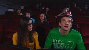 Даёшь молодёжь! Молодая семья Валера и Таня В кинотеатре