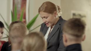 Девушка средних лет Сезон-1 Серия 1