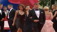 До звезды Сезон-1 Звезды возвращаются жить в Россию из-за кризиса