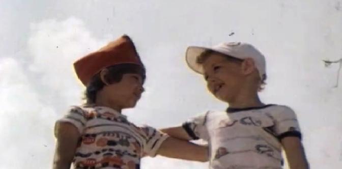 Смотреть Лялька-Руслан и его друг Санька