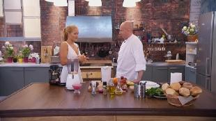 О вкусной и здоровой пище Сезон-1 Салат из арбузных помидоров с луковым соусом