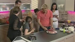 Сладкие истории 1 сезон Брусничный торт