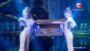 Україна має талант Україна має талант Алина Бондаренко и Настя Логинова - Україна має талант-6 - Пятый прямой эфир - 24.05.2014